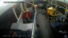 Kahraman otobüs şoförü, bayılan genci hastaneye böyle yetiştirdi