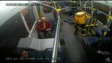 Kahraman otobüs şoförü bayılan genci hastaneye böyle yetiştirdi