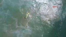 Avustralya'da drone iki genci boğulmaktan kurtardı