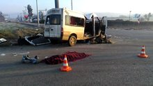 Servis aracı minibüsle çarpıştı, 2 ölü 20 yaralı