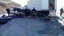 Van Hakkari karayolunda kaza: 8 ölü 2 yaralı