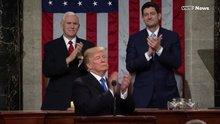 Trump 6 dakika boyunca kendini alkışladı