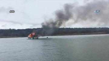 Teknesi yanan balıkçıyı böyle kurtardı