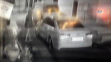 Film sahnelerini aratmayan lüks otomobil hırsızlığı kamerada