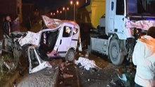 İstanbul'da feci kaza! Hafriyat kamyonu ile araç çarpıştı