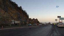 Zonguldak-Ereğli karayolunda heyelan