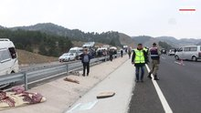 Kahramanmaraş'ta minibüs kamyona çarptı
