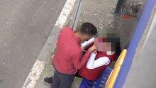 Adana'da genç kızı sokak ortasında tartakladı