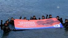 Mehmetçik'e su altından destek