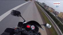 Servis şoföründen motosikletliye otobanda tekme tokat dayak kamerada
