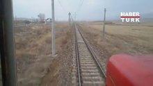 Tren raylarında şaşırtan görüntü!