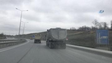 Hafriyat kamyonlarının trafikte yaşattığı tehlikeli anlar