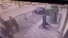 Balkondan düşen çocuğu yakalayan mısır polisi