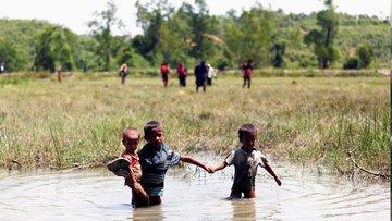 Havadan görüntüler: 720 bin Arakanlı çocuk risk altında