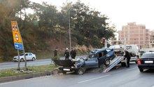 Korkunç kaza: Araç ikiye bölündü