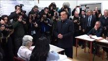 Berlusconi'ye Femen şoku!