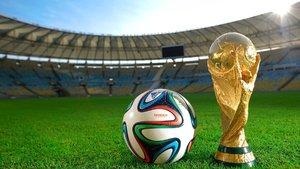 Efsane oyuncular Dünya Kupası için top sektirdi...