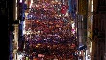 Dünya Emekçi Kadınlar Günü: İstiklal Caddesi'ndeki yürüyüşe binler katıldı