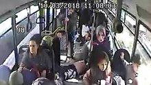 Halk otobüsünde kalp krizinden ölüm kamerada