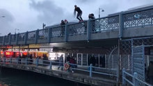 Galata Köprüsü'nden empati atlayışı