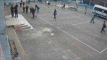 Veliden öğretmene yumruklu saldırı kamerada