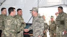 Org. Akar Suriye sınırındaki birlikleri denetledi