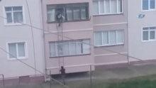 Evine girebilmek için bulduğu yöntem görenleri korkuttu