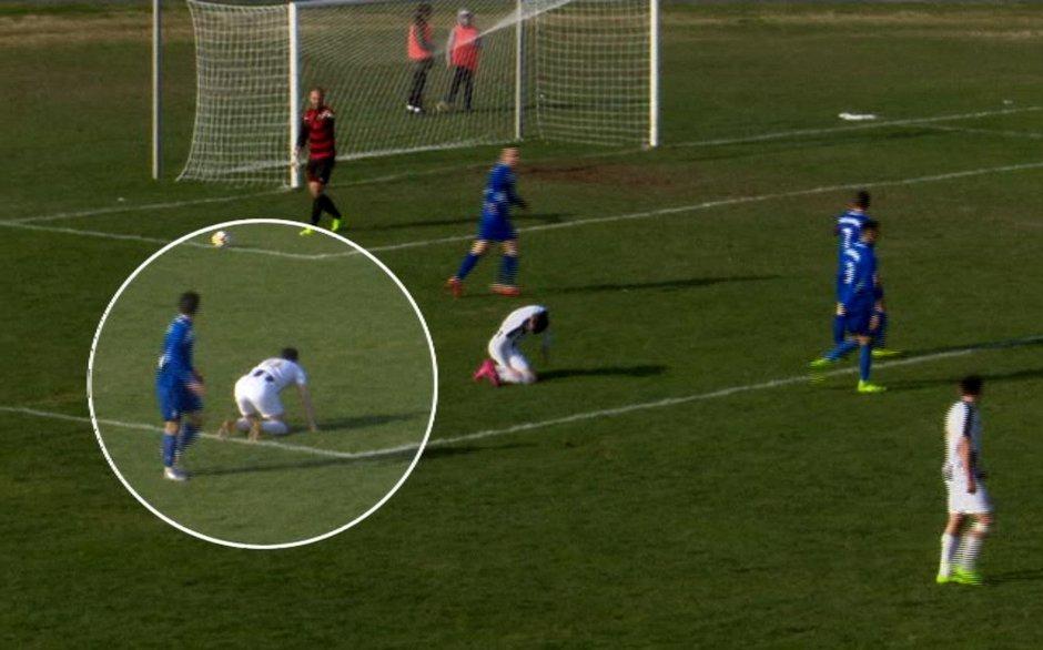 Hırvat futbolcu sahada hayatını kaybetti