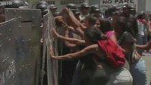 Venezuela'da karakol yangını sonrası mahkum yakınlarına polis müdahalesi
