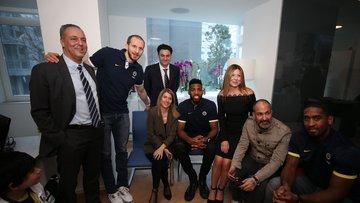 Fenerbahçeli basketbolcular, taraftarlarla buluştu