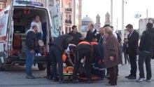 Taksim'de yaşlı adamın ayağı Metro'ya sıkıştı