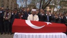 Şehit polisi son yolculuğuna iki bakan ve binler uğurladı
