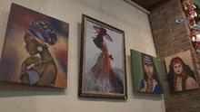 Resim ve el işi sergisi açan bedensel engelli Tuğçe