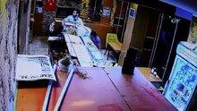 Bolu'daki deprem anında yaşanan panik güvenlik kameralarına yansıdı