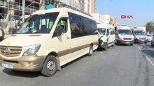 Esenyurt'ta yolcu minibüsü kaza yaptı