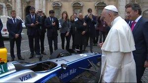 Papa Francis, Formula E yarış arabasını kutsadı