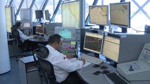 İstanbul Boğazı'ndaki gemi trafiği bu merkezden kontrol ediliyor