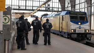 Trende tecavüz! Tüm yolcular gözaltına alındı
