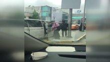 Atatürk Havalimanı'nda UBER aracına saldırı kamerada