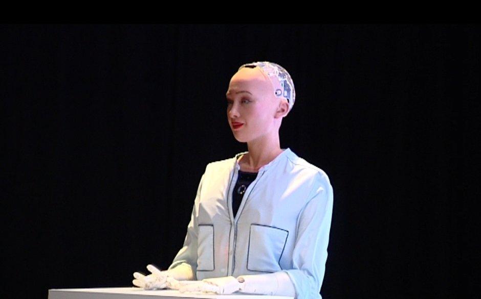 Robot Sophia Türkiye'de!