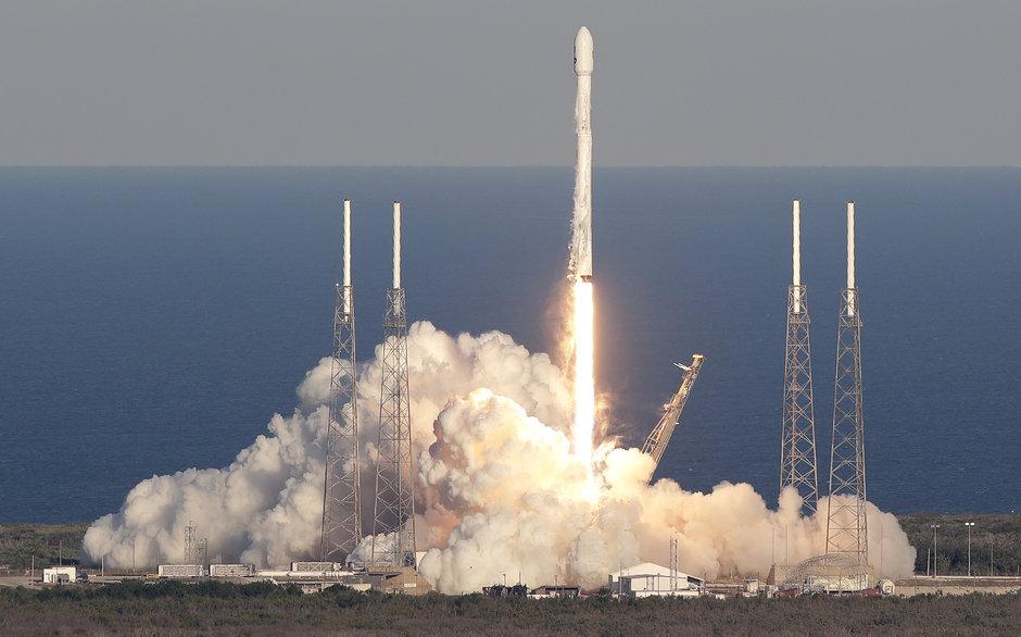 NASA'nın 'gezegen avcısı' uzaya fırlatıldı