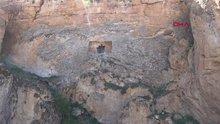 Sivas'taki kaya mezarları keşfedilmeyi bekliyor