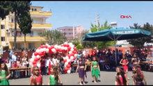 23 Nisan gösterisi, çocukların kıyafeti nedeniyle yarıda kesildi