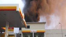 Kartal'da akaryakıt istasyonu yakınında yangın