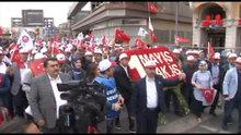 HAK-İŞ sendikası Taksim'deki Cumhuriyet Anıtı'na ve Kazancı Yokuşu'na çelenk bıraktı
