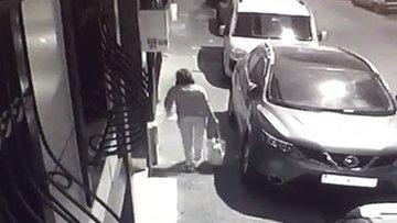 Vicdansız anne bebeğini çöpe böyle bıraktı!