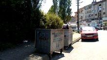 Torunu için çöpten dolmalık biber topladı