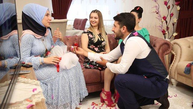 Gelin Evi'nde sürpriz evlilik teklifi!