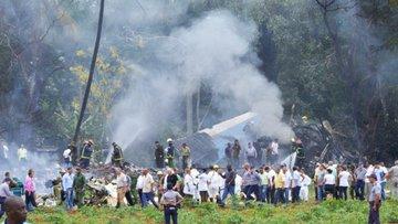 Küba'da uçak kazası: En az 100 ölü