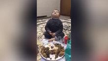 Sahurda uyuyan çocuk